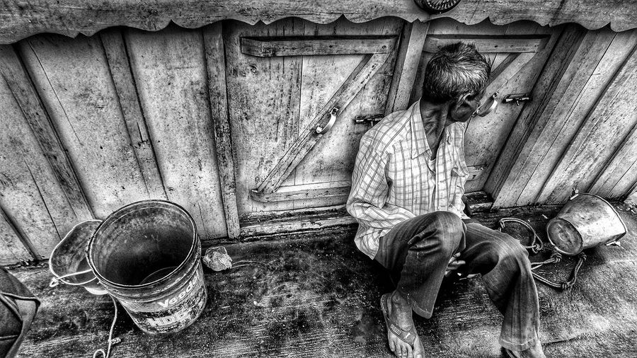 EyeEmNewHere Old Man Lonely Man Black And White Contrast Broken Hearted Life Of A Seaferrer Beautiful People:-* Sadness Life Of A Sailor