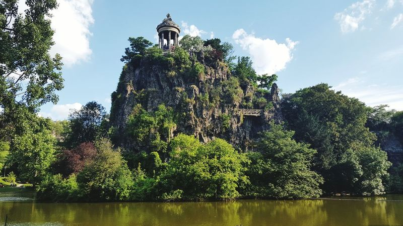 Nature Day Buttes-Chaumont Buttes Chaumont Paris, France  Landscape Sunny Day Cityscapes Neighborhood Map My Best Travel Photo