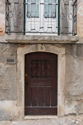 Portas antigas - Alcácer do Sal, Alentejo, Portugal Alcacer Do Sal Alentejo Portugal Door Doorway Old Door City Street Portasejanelas