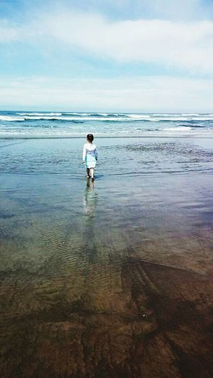Miss Maddie in Rockaway beach Oregon showing no fearEdge Of The World PeopleOfTheOceans