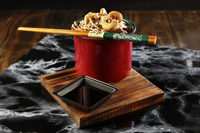 yakisoba Food Food And Drink Close-up No People Indoors  Healthy Eating Freshness Ready-to-eat Still Life High Angle View Table Yakisoba Wood - Material Chopsticks Wellbeing Drink Italian Food Pasta Smoke - Physical Structure Red Heat - Temperature Tray Temptation Japanese Food Shoyu