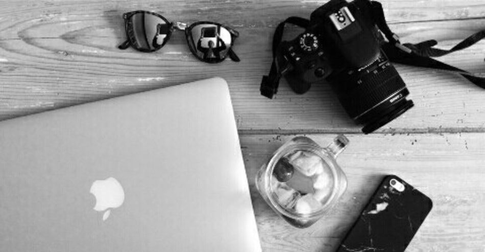 High Angle View Day Eyemphotography EyeEm Best Edits Photoofnature Nopeople Night Photography Monochrome Photography Black Background Technology Lifestyles Internet No People