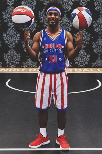 Turbo - Harlem Globetrotters Sport Front View People Standing Basketball - Sport Ball Athlete Basketball Player