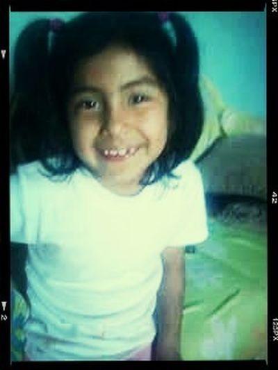 Hoy mi hermanita andrea cumple 8 añitos feliz cumpleaños .. Chikilla te kiero mucho .. Hermanita k cumplas muchos años mas :) happy birthday <3 I LOVE YOU andy