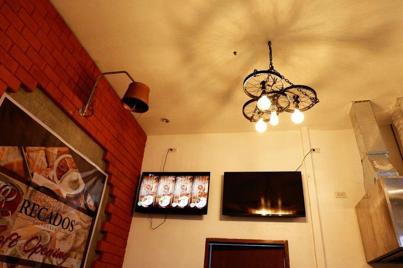 food for tummy Fujifilm X-A3 Restaurant Chandelier Indoors  Light
