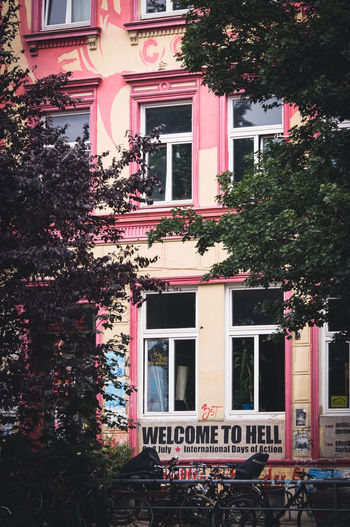 Hamburg Haus Houses Architecture Built Structure Hamburger House Welcome To Hell Window Box