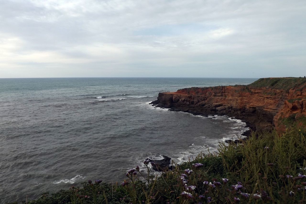 sea, horizon over water, water, nature, beauty in nature, sky, scenics, tranquil scene, tranquility, cloud - sky, no people, outdoors, cliff, day, beach