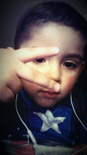 My bro Chucking them duces up
