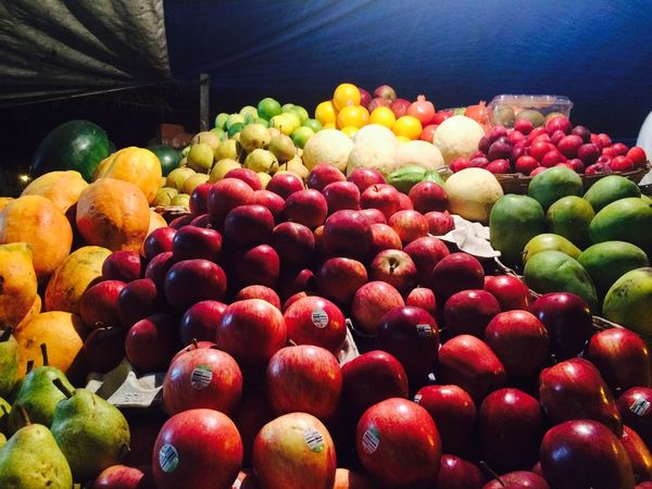 fruits at night Streetphotography Relish Creative Light And Shadow Juicy Fruits Freshness Apples