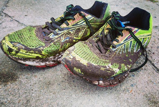 Sportshoes Running Shoes Dirt Road Mud Muddy Real Sport Extreme Sports Green Color No People After Running Bad Weather Sportschuhe Laufschuhe Schmutzig Matsch Nach Dem Regen  Schlechtes Wetter