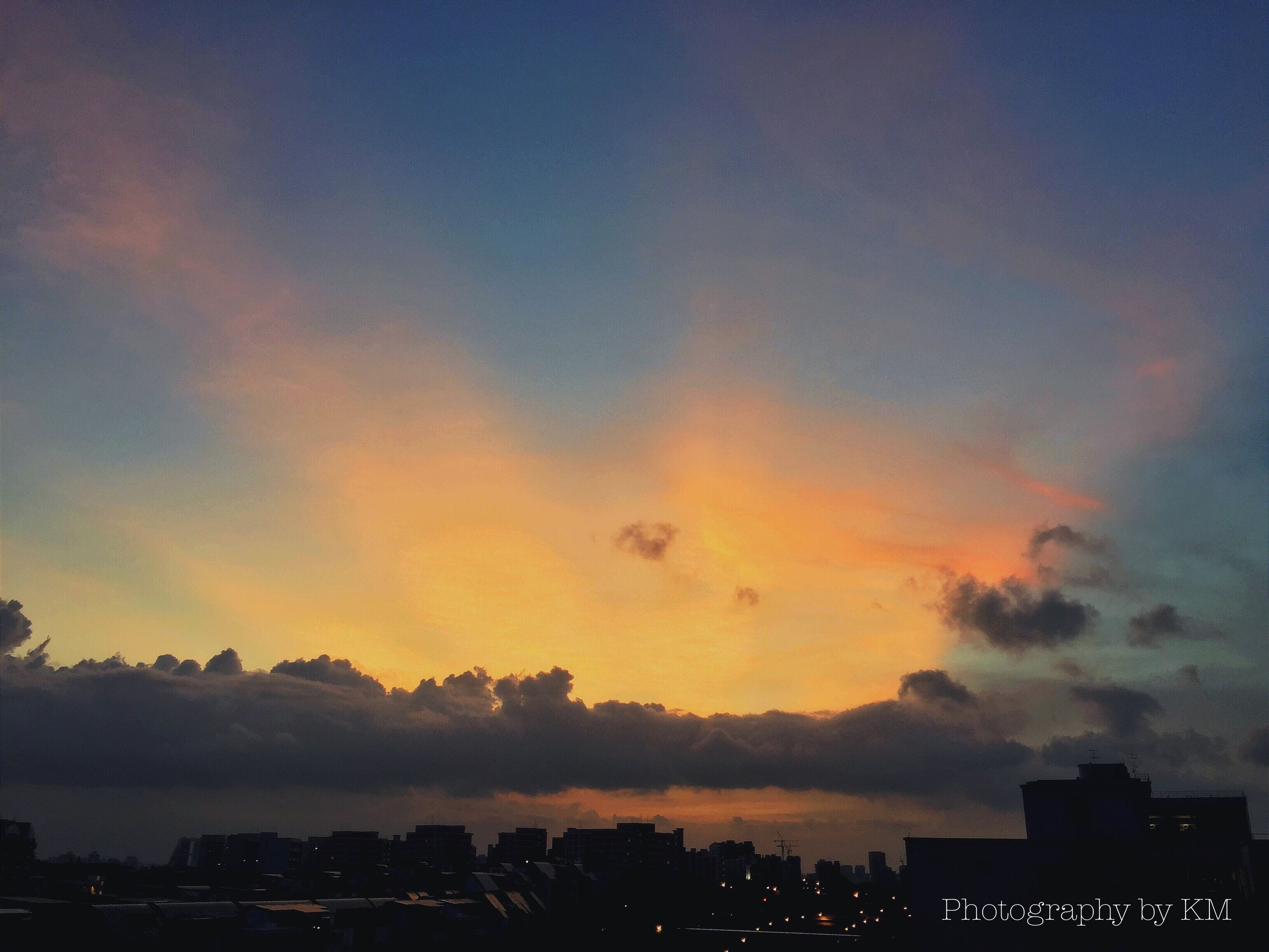 building exterior, sunset, architecture, built structure, silhouette, sky, city, cityscape, dusk, cloud - sky, residential building, illuminated, orange color, scenics, residential structure, beauty in nature, nature, house, residential district, outdoors