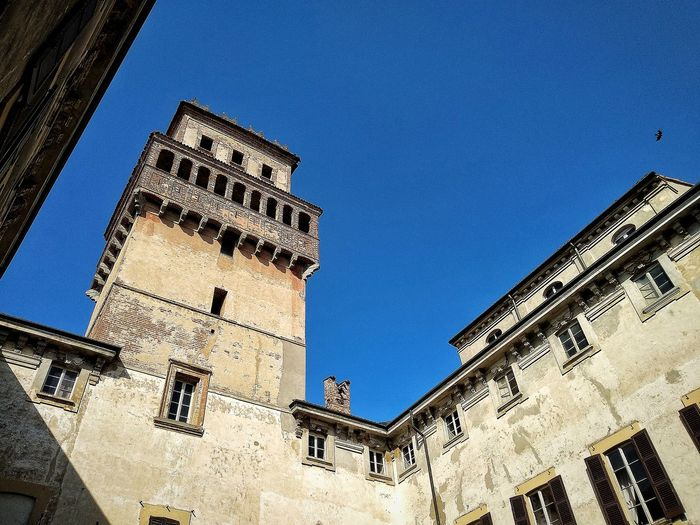 Chignolo Po, Marzo 2019 Hdr_Collection Outdoors Castle Sky Low Angle View Historical Building Architecture Building Exterior Built Structure