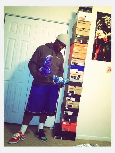 Sneaker Life .