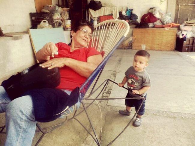Damian con su bisabuela Familiamorfin Grandma Grandma And Grandson Vacation Colima Villadealvarez Quality Time