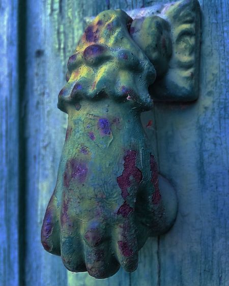 Door Puerta Vibrant Color Close-up Wood - Material Extreme Close-up Selective Focus Focus On Foreground Weathered Day Red No People Extreme Close Up
