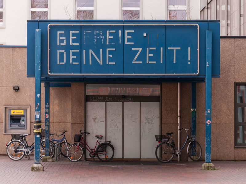 Appeal Architecture Bicicle Built Structure City City Life Information Sign Stationary Zeit Adapted To The City