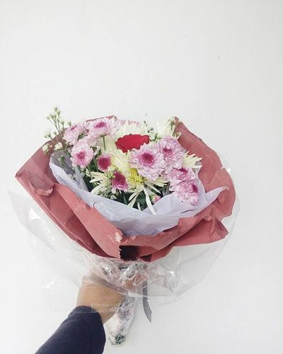 One of my babies. I have five of them in my garage and they're ready to make your day much much perfect. Happy graduation dear UNS fellas. Congratulation for having my very first handmade flower buckets!