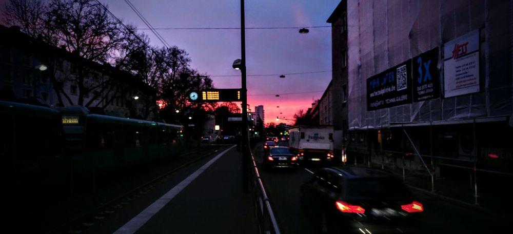 Sunrise Lila Wolken.
