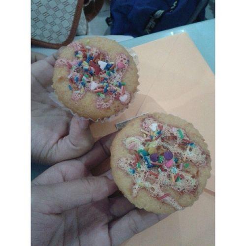 we want m0re cupcAke -,- Bitin Cupcake Did Seminar snaCk