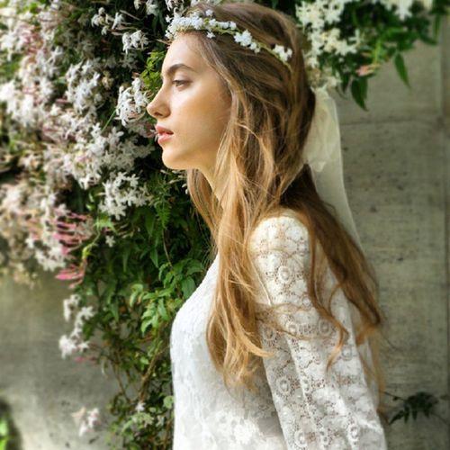かすみ草の優しい花冠はさりげないナチュラルヘアーに。。。 コラボレーションで作っていただいた逸品、絶妙な抜け感がお気に入りです。 ドレスの異素材なパチワークにもピッタリ(⌒_⌒) Cliomariage Weddingdress Dress ドレス カラードレス クリオマリアージュ ウェディングドレス タキシード ガーデンウエディング Wedding ウェディング 結婚式 結婚式準備 Accessory アクセサリー ギフト Fashion ファッション ナチュラル 東京 渋谷 Japan 撮影