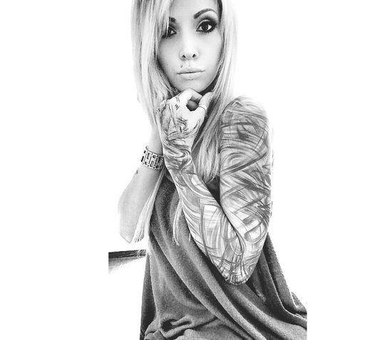 Model Tattooedgirls Blonde Beautiful