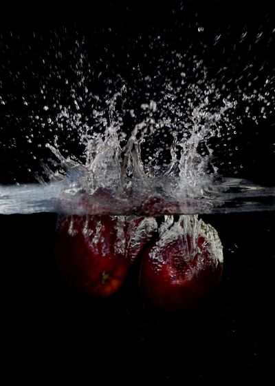 Apple Applephotography High-speed Photography Dissolving Dripping Prepared Food Served Talcum Powder Splashing Droplet Splashing Fanned Out PainKiller Bullet Apple Impact Rushing Colliding Dye