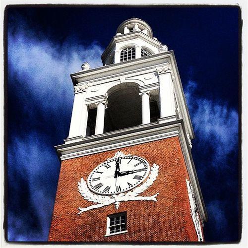 It's 3 o'clock! #btv #vt Iraallen Vt_scenery Architecture 802 Clock Vt_scene Structure Vernont_scene Time Iraallenchapel University Tower Bell Landmark Chapel Vermont Majestic Vt Btv Uvm