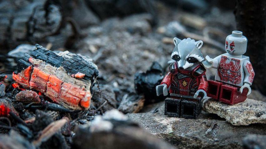 There there Marvel Marvelcomics GaurdiansOfTheGalaxy Lego Super Heros Legominifigures LEGO Legominifigs Lego Photography Embers Bonfire