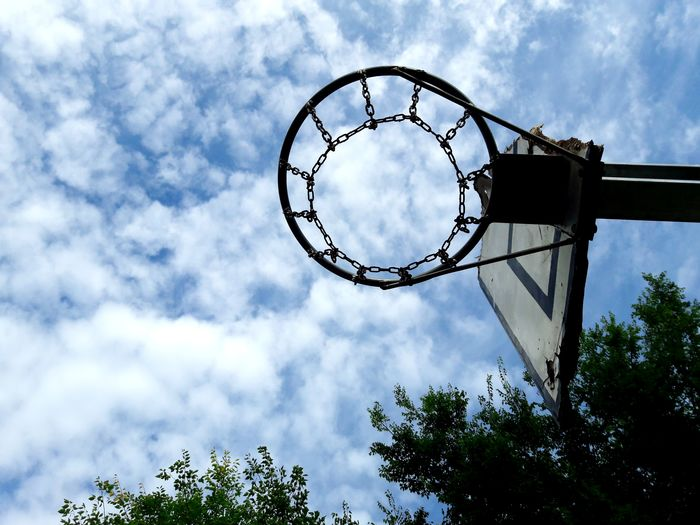 Under the basketball backboard Sport Sports Chain Round Shape Circle Play Playing Bottom View Rounders Broken Outdoors Under Low Angle View Sky Cloudy Basketball - Sport Basketball Backboard Backboard Outside EyeEmNewHere