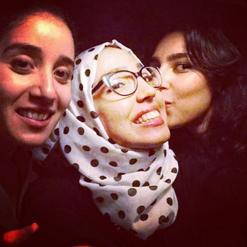 Selfie Taking Photos Night Out Friends ♥