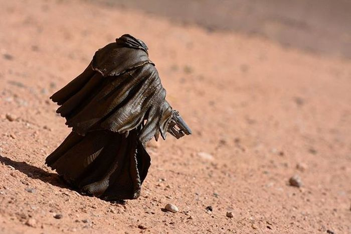 Been walking the wastelands..have lost all sense of time..Toyonlocation Toy_nerds Halo5 Halo Masterchief Actionfigure Figurine  Spartansos Collectable Arizona Desert Photoshoot Toyaddict Toy Collectable Toycrewbuddies Toygroup_alliance Toyboners Mcfarlanetoys Toddmcfarlane Art Create Mcfarlanebuilds