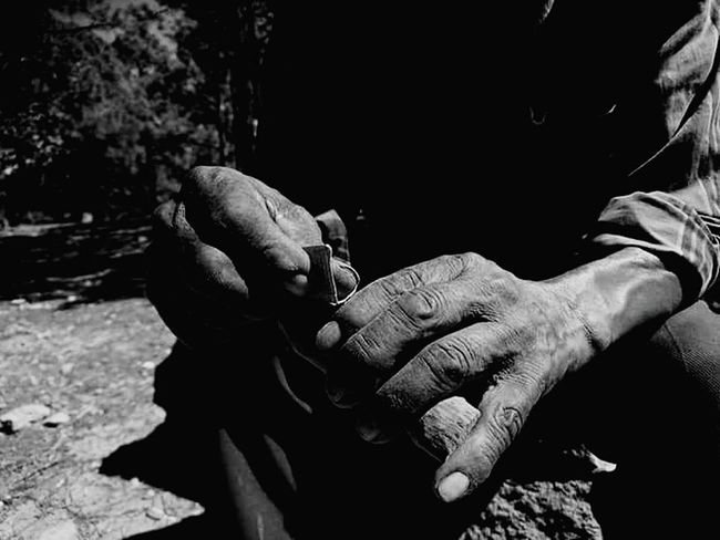 Sierra Tarahumara Handmade Craftsmanship  Artesanias MexicanasPerson Artesano Mexican Traditions Corteza De árbol Hands At Work First Eyeem Photo