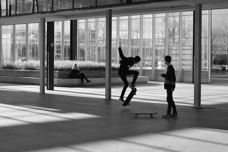 Cruising down the street Boys Having Fun Capturing Motion Dutch Eindhoven Men Having Fun Ollie Skate Street Street Photography Streetphoto_bw