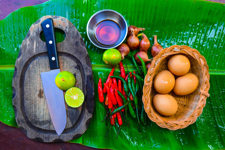 Thailand garnish เครื่องครัวไทย Day Easter Easter Egg Holiday - Event Nature No People Tradition Wood - Material พริก มีด มีดปลายแหลมม ไข่