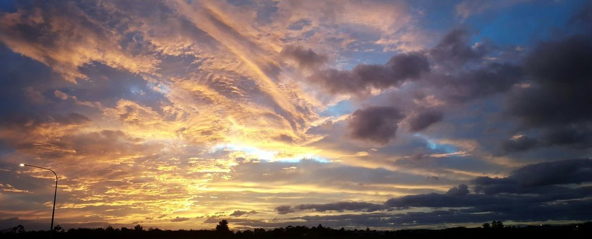 Sunrise New Zealand Morning Sun Ray Farm Nature Cloud Formation Sky Orange Pink Purple Side Of Road