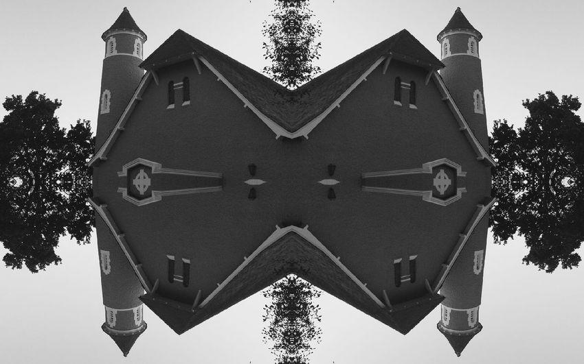Cape Town, South Africa Huawei P9 Leica EyeEm Monochrome Photography Blackandwhite Monochrome Huaweiphotography HuaweiP9 Cellphonephotography HuaweiP9Photography Moody Blackandwhitephotography Reflection Reflect Edited Symmetry Church Mirrored Architecture Leica Lens