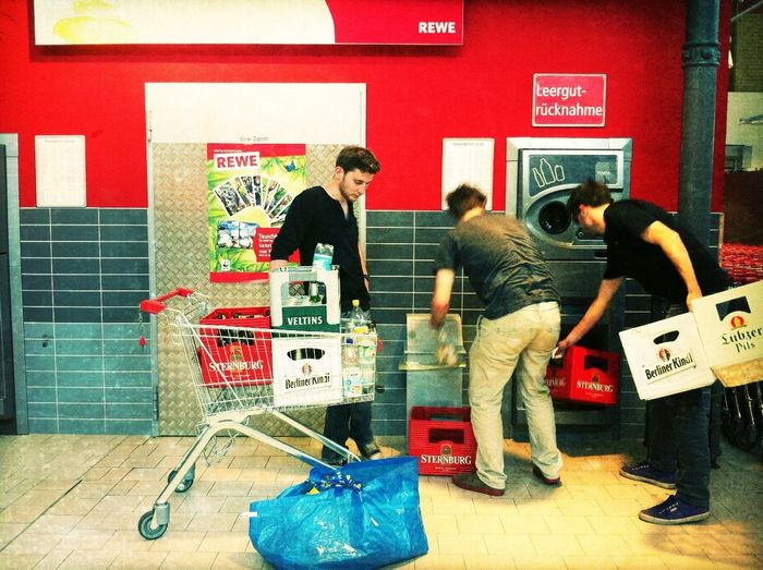 offloading at REWE in der Ackerhalle Offloading