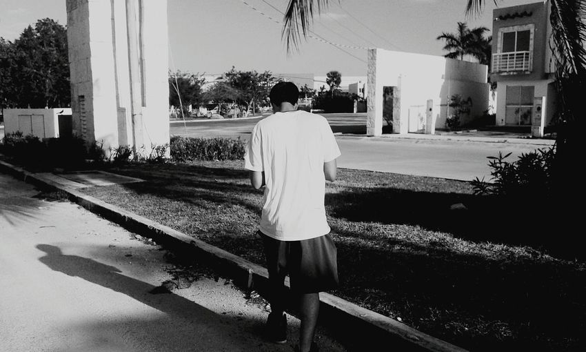 When your shadow comes to a stand still Black & White Blackandwhitephotography Light And Shadow Shadow Walking Around Taking A Stroll Open Edit Cancun The Moment - 2015 EyeEm Awards The Street Photographer - 2015 EyeEm Awards