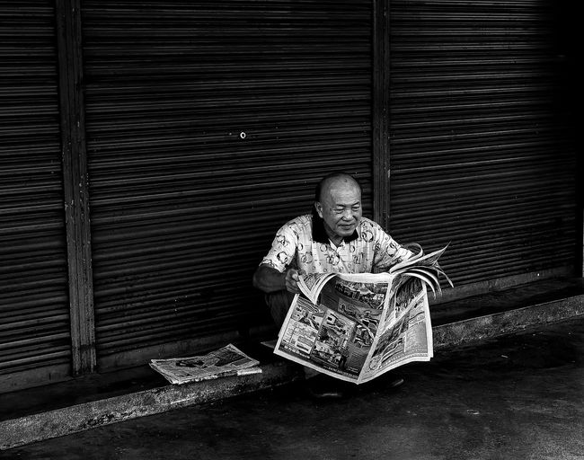 Black And White Reading & Relaxing Reading Habbit Reading News Paper Street Photography Old Man Reading