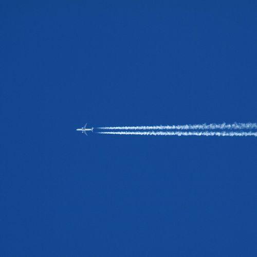 どこか行きたくなる… ひこうき雲 Airplane Bluesky Hello World Sky Allow