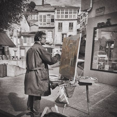 Artist One Person Standing Real People Easel One Man Only Men Architecture Outdoors Adult People Only Men Day Adults Only
