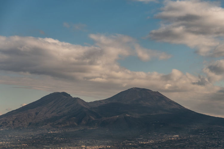 Scenic view of vesuvio volcano against sky