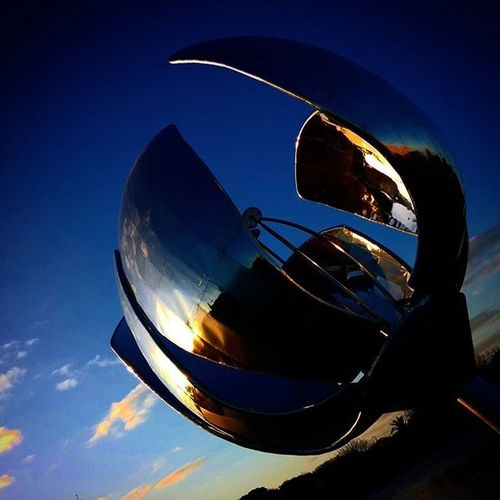 Going Home... Argentina Bsas Buenosaires Sky Skyporn skycraper skylovers Clouds Cloudy Cloudsporn Sunset Sunsetporn Sculpture Art Flowers Igrs IgrsArgentina IgrsBsAs Instagram Instapic Instagood instalike InstaMoment Igers IgersArgentina IgersBsAs