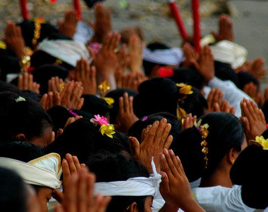 Bali Culture Flowers Hair Group Prayer Hands And Hair Hands In Prayer Prayer Ritual Indonesian