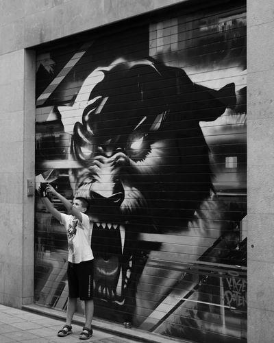 Kid Selfıe Streetphotography Street Bnw Bw Blackandwhite Monochrome Monotone Panther Street Art Graffiti Art ArtWork