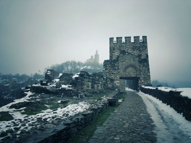Tsarevets fortress, Veliko Tarnovo, Bulgaria Bułgaria Veliko Tarnovo Veliko Tarnovo, Bulgaria Tsarevets Architecture Built Structure History Building Exterior Old Ruin Ancient Travel Destinations Ancient Civilization Castle Winter Snow Cold Temperature No People