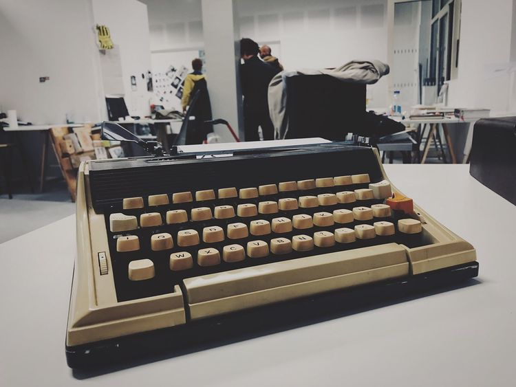 Typewriter Indoors  Table Technology Keyboard Day No People School Beauxarts