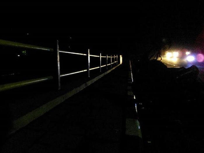 disini aja dulu... dinikmatin... besok belum tentu... biar teduh... biar asik aja... 😉 Siliwangiriver spot Bandung INDONESIA Nightlight Lenovotography Photooftheday Pocketphotography Photostory Lzybstrd Journey