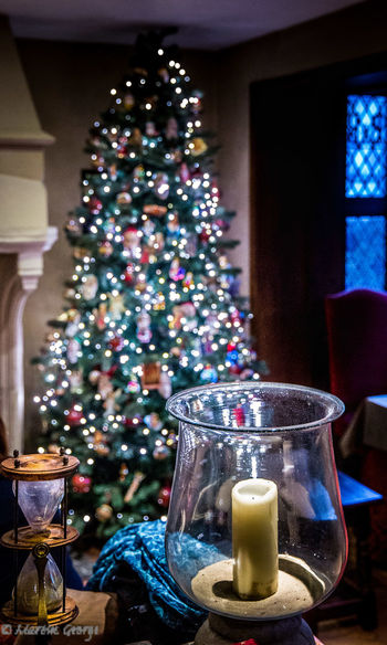 Hotel Bonifacius Brugge, Belgium Candle Celebration Christmas Christmas Lights Christmas Tree Egg Timer Home Interior Indoors  Sands Of Time ⌛ Still Life Table The Culture Of The Holidays Tradition