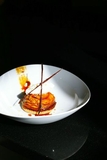 Tart Taten instagram a_kapi. Plate Sweet Food Dessert Food Desersplate Pastry Sweet Pie Cream Vanilla Sweets Pear